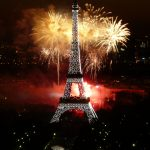 2008_Fireworks_on_Eiffel_Tower_01