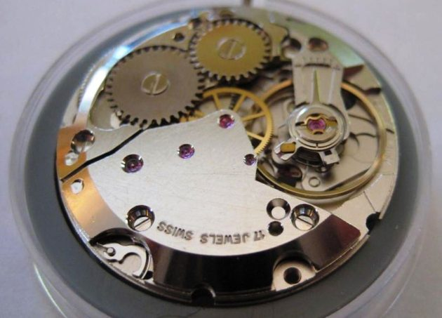 interior-watch-movement